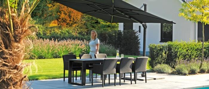Borek-Sun-Loom-Collins-chair-Meridian-table-Stresa-parasol_preview1-700x300 Parasols