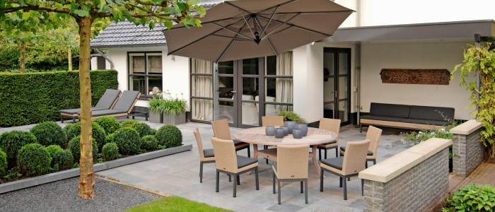 Borek-fibre-Geneva-Siiena-table-Rodi-parasol_preview3-700x300 Vrijhangend