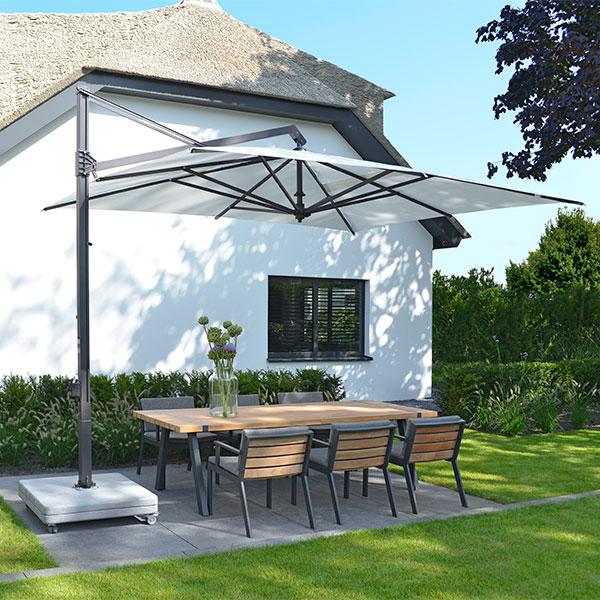 2017-Borek-teak-alu-Twisk-table-chair-and-lounge-chair-by-Bertram-Beerbaum-parasol-Rodi-graphite-4x3 Bertram Beerbaum