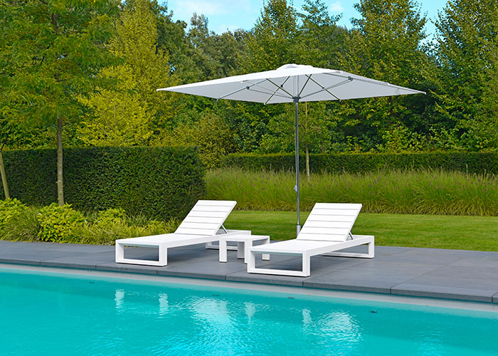 2016-Borek-aluminium-parasol-Detroit-Vitoria-lounger-Panama-side-table Detroit