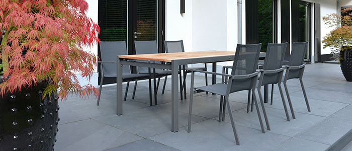 2016-Borek-coated-stainless-steel-Soria-stacking-chair-anthracite-Elx-extending-table-anthracite Soria