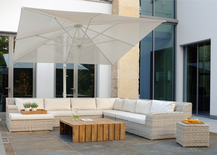 Borek-Fibre-Atlanta-lounge-Miami-Beach-Rodi-parasol_preview-700x500 Rodi
