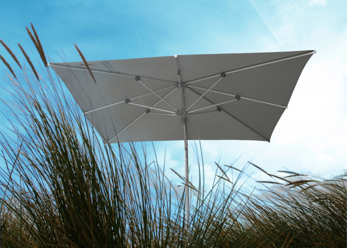 Borek-side-post-Madison-parasol_preview-700x500 Madison
